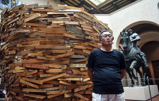 Выставка Тадаси Каваматы «Наптичьих правах/Para-site Project» вГосударственном музее изобразительных искусств имени Пушкина. Август 2018 года<br>