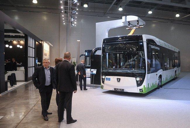 Церемония передачи ГУП «Мосгортранс» электробуса КамАЗ в2017 году