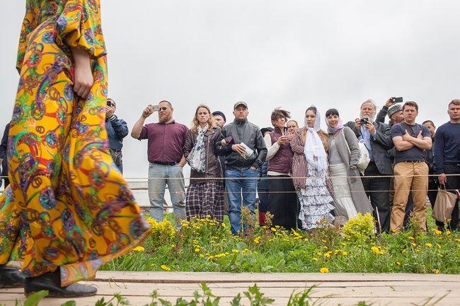 Эта иследующие две фотографии: ярмарка вСлободе Германа Стерлигова, 19мая 2018 года