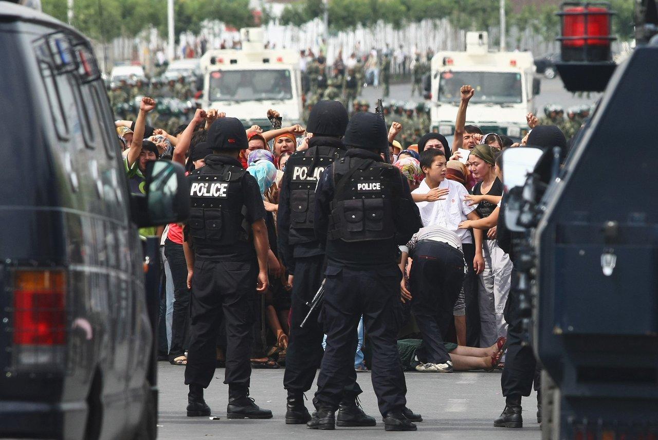 Концлагерь на 10 миллионов уйгуров Китай построил в провинции Синьцзян полицейское государство будущего. Мы там побывали [5]
