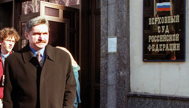 Ecologist Alexander Nikitin, accused of treason and disclosing state secrets and ultimately acquitted, March 29, 2000