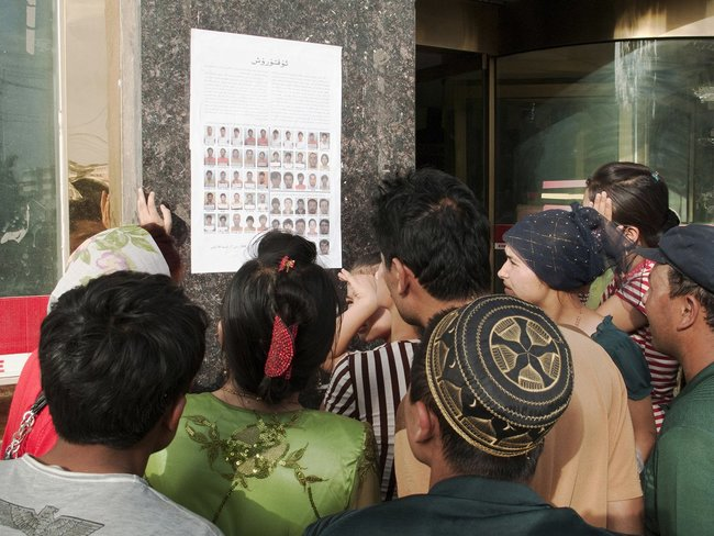 Uyghurs search for missing relatives in Kashgar, August 3, 2009