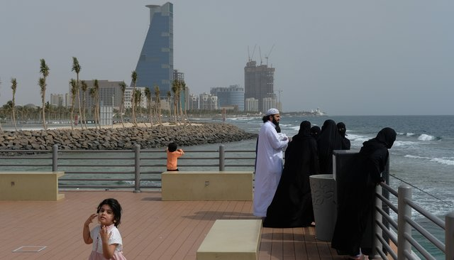 ВСаудовской Аравии иправда отрубают руки? Там все миллионеры? АсРоссией они дружат? Стыдные вопросы про крупнейшее государство Аравийского полуострова