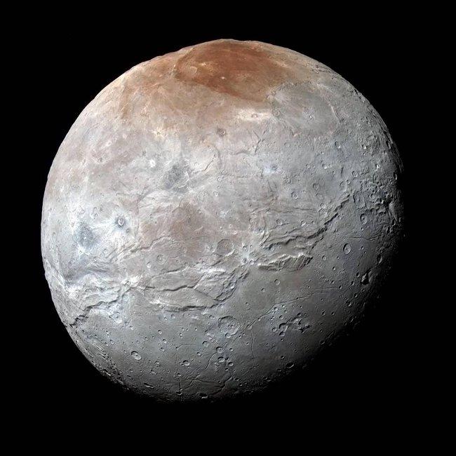 Изображение Харона, спутника Плутона, переданное аппаратом «Новые горизонты»