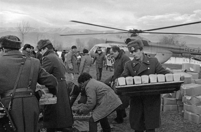 Гуманитарная помощь после землетрясения, декабрь 1988 года
