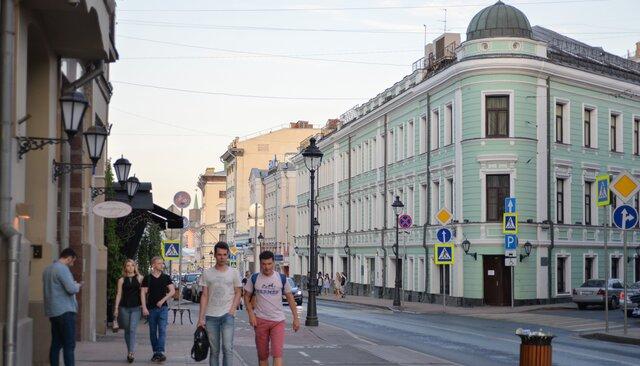 Историческое здание наБольшой Никитской собираются снести ради элитногоЖК. Застройщик связан сбратом бывшего охранника Путина