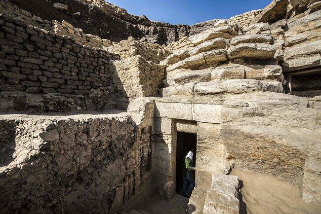Вход вгробницу Ватайе