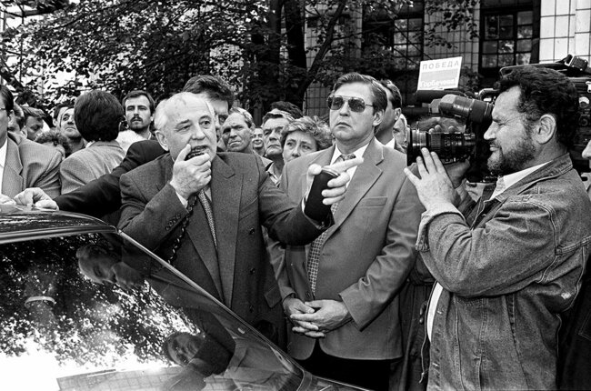 Gorbachev visits a carburetor factory in St. Petersburg during his presidential campaign. June 10, 1996
