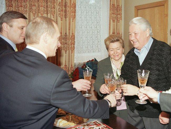 70-летие Бориса Ельцина вЦентральной клинической больнице. 1февраля 2001 года