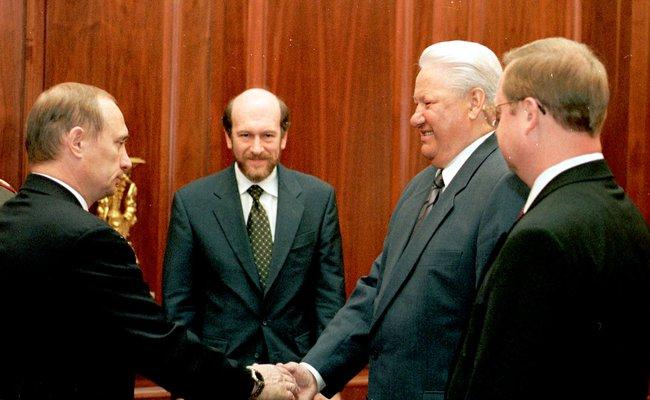 Владимир Путин, Александр Волошин, Борис Ельцин иСергей Степашин вКремле. 5июля 1999 года