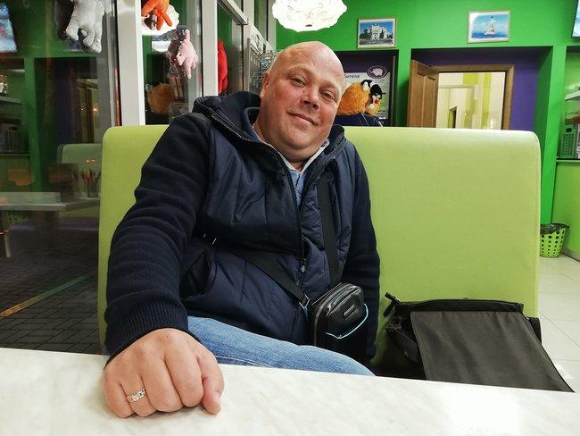 Сергей Татко— бывший директор крупнейшего петербургского казино, который пытается стать вКрыму «мидийным королем» (нопока неочень успешно)