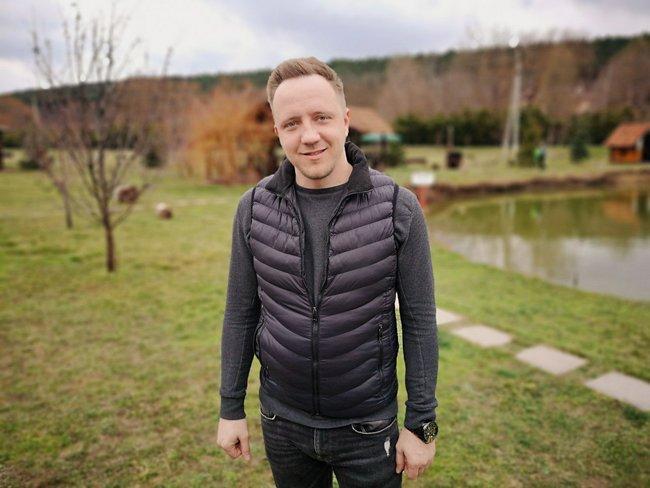 Предприниматель Михаил Глагола в2014 году считал присоединение Крыма «супернепонятной историей», которая «вплане бизнеса была ненужна»