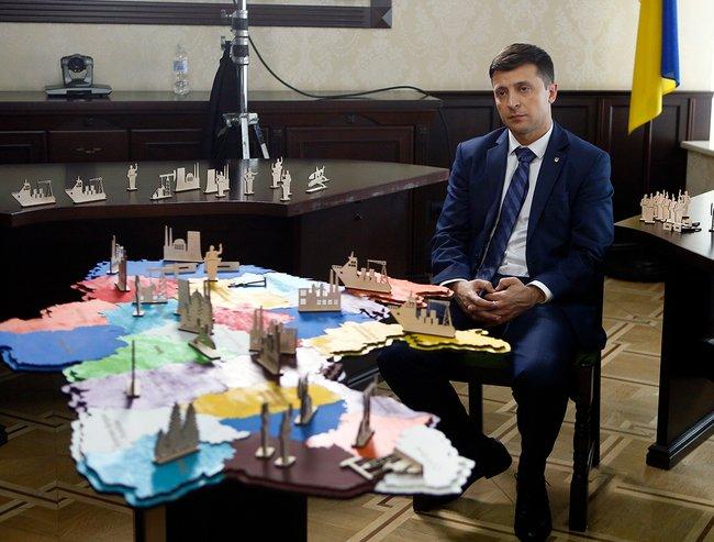 Владимир Зеленский вроли президента Украины насъемках сериала «Слуга народа», 6февраля 2019 года