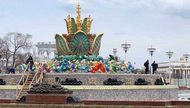 Завершение реставрации фонтана «Каменный цветок» на ВДНХ в апреле 2019 года