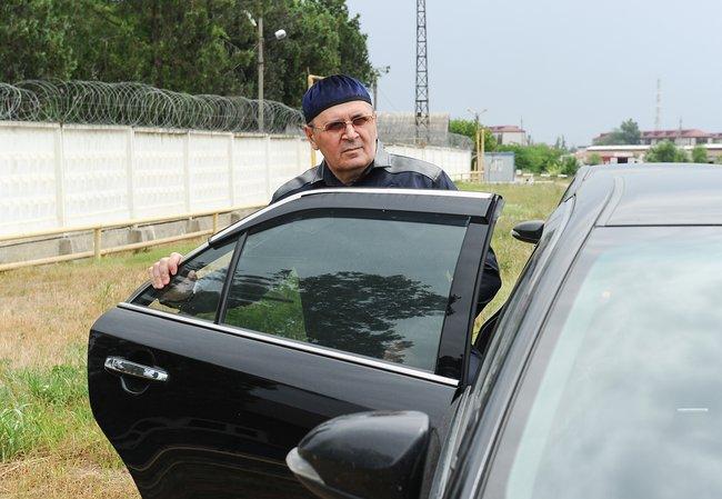 Оюб Титиев после освобождения изколонии-поселения. Июнь 2019 года