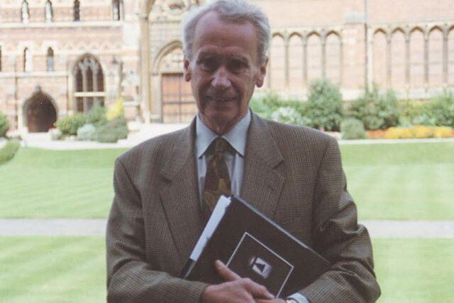 Первый ученый Средиземья. Умер Кристофер Толкин, младший сын автора «Властелина колец». Онбыл главным критиком иредактором своего отца