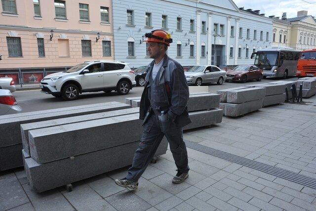 Москва закупит бордюры еще на16 миллиардов рублей. Вмэрии объяснили эти планы попыткой сэкономить