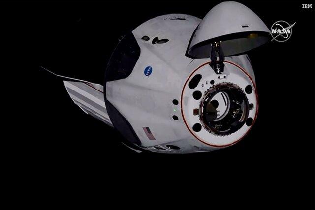 Корабль Crew Dragon состыковался с МКС