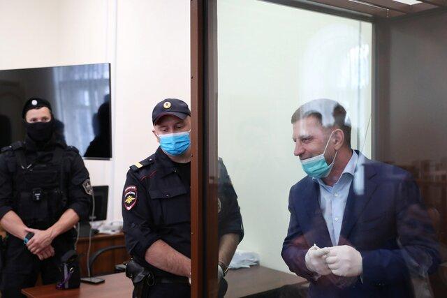 Задержанного губернатора Хабаровского края Сергея Фургала отправили в Москву