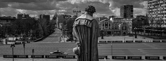 Великая пустота. Какой была Москва вразгар пандемии. Фотографии Сергея Пономарева