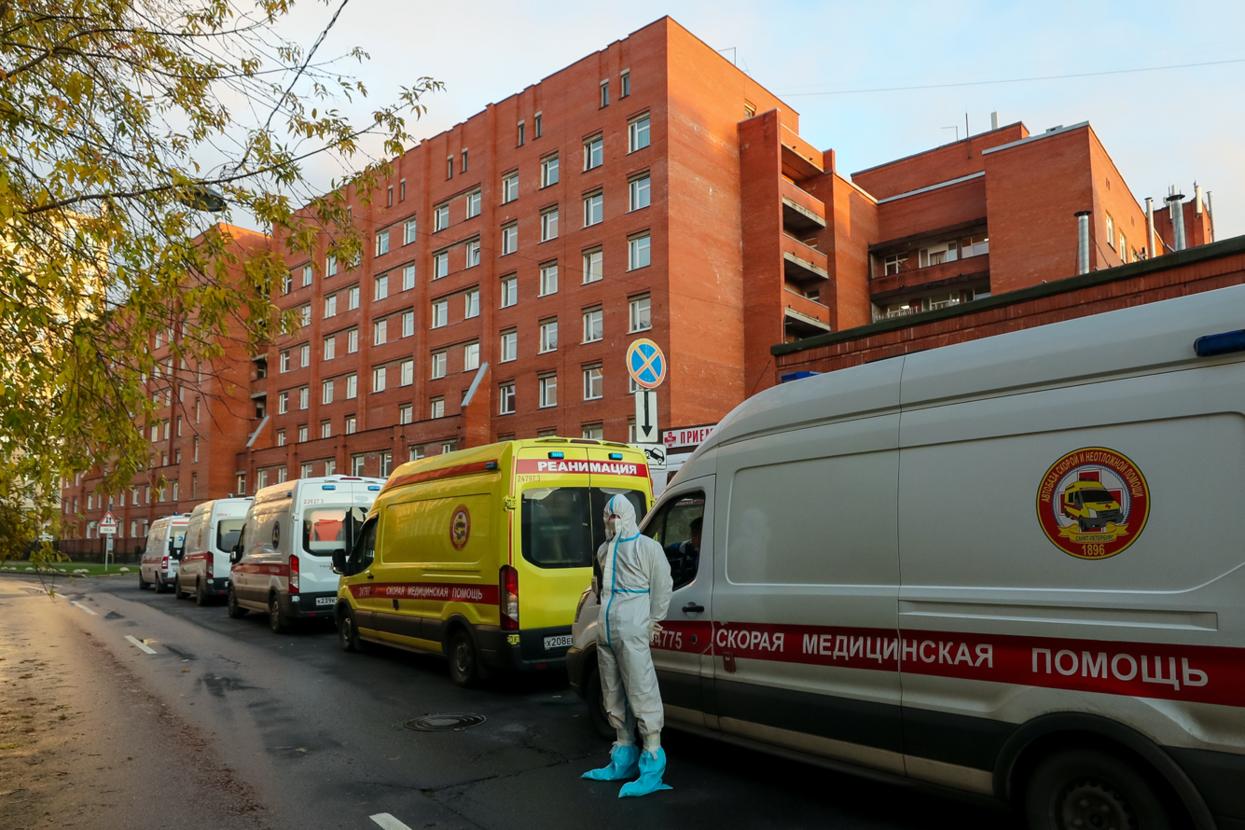 Куда смотрит Смольный: как ковидная Покровская больница живет без аппаратов КТ