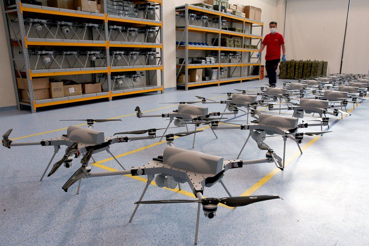 После карабахского конфликта все говорят о «революции дронов» Исчерпывающий  путеводитель «Медузы» по тому, как беспилотники (возможно) изменят войны —  и что это значит для России — Meduza