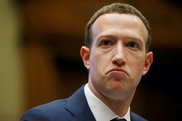 Правительство США решило, что Facebook покупал Instagram и WhatsApp, чтобы нейтрализовать угрозу конкуренции. Теперь оно требует разделить компанию.