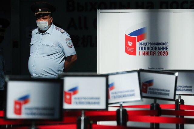 Для удобства избирателей. Андрей Перцев вспоминает, как российские власти в 2020 году окончательно отменили публичную политику