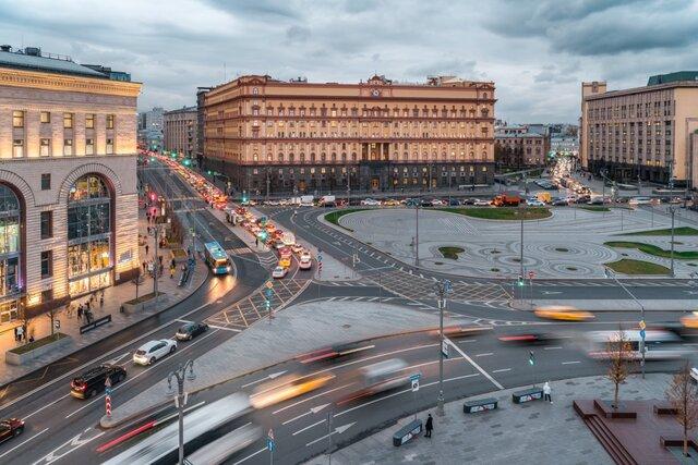 Почему власти передумали ставить памятник на Лубянке. Медуза выяснила, что в мэрии хотели отвлечь внимание от протестов и приговора Навальному. Но вы