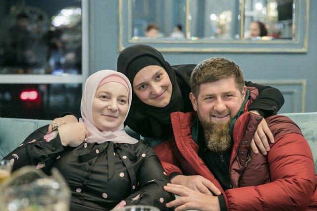 Хакеры обрушили сайт издания Проект  после того, как там вышло расследование о женах Кадырова и их недвижимости. Медуза публикует полный текст этой с