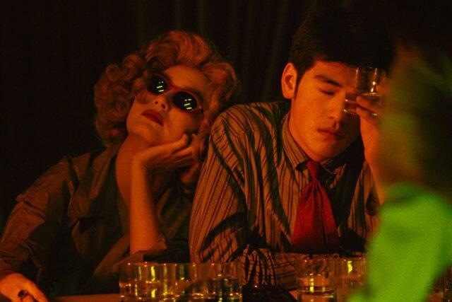 Что смотреть в кино: Восемь сотен, Чунгкингский экспресс, Иди и смотри. Ультракороткие рецензии (140 символов!) на главные фильмы недели