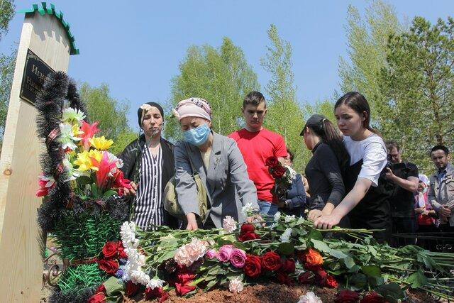 Почему сегодня Почему детей Репортаж спецкора Медузы Лили Яппаровой из Казани, где 19-летний Ильназ Галявиев убил в школе девять человек