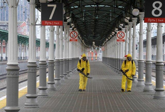 В Москве из-за ковида с 12 по 20 июня объявлены нерабочие дни. Одной из причин роста заболеваемости, как выяснила Медуза, считают индийский штамм