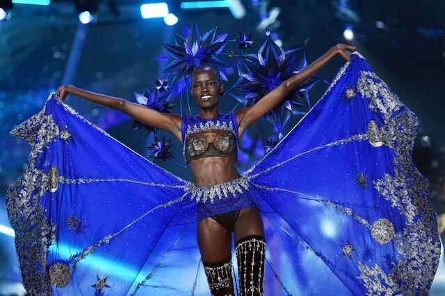 Victoria's Secret откажется от моделей-ангелов и будет продавать бюстгальтеры для кормящих мам. Это попытка избавиться от репутации патриархального и