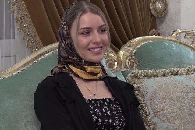 Как выяснила Медуза, чеченку Халимат Тарамову пытались лечить от отношений с любимой девушкой в клинике без лицензии. Сообщалось, что Халимат опять п