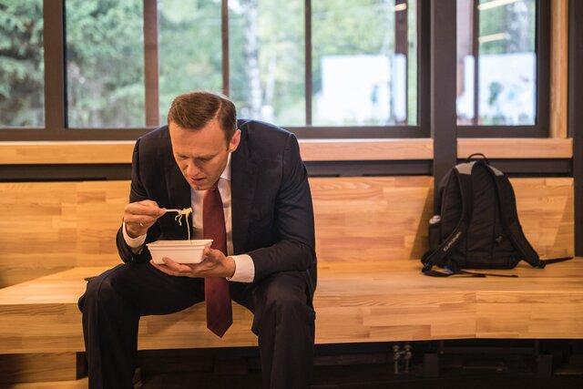 Даже всемогущий Владимир Путин признает силу одного бесстрашного человека. Журнал Time включил Навального в список самых влиятельных людей 2021 года