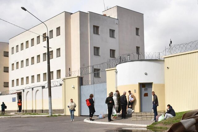 Сайт Комсомольской правды в Беларуси заблокировали из-за статьи об обвиняемом в убийстве сотрудника КГБ. Автор материала находится в изоляторе на Окр