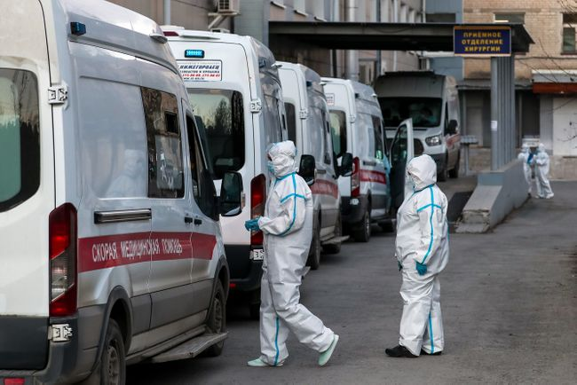 Ambulance drivers outside a hospital in Yekaterinburg on April 28, 2020