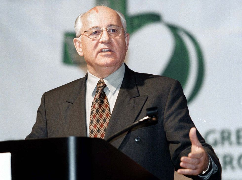 Gorbachev speaks at a conference run by Global Green USA, the American branch of the International Green Cross. Atlanta, GA; December 4, 1999