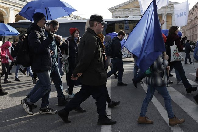 A march dedicated to World Autism Awareness Day in St. Petersburg, April 2, 2019