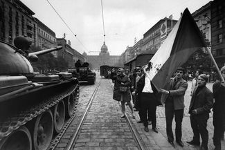 Tanks and demonstrators on the streets of Prague, August 21, 1968