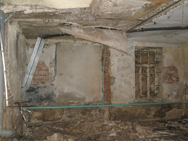 The basement of Anastasia Maltseva's building pre-renovation.