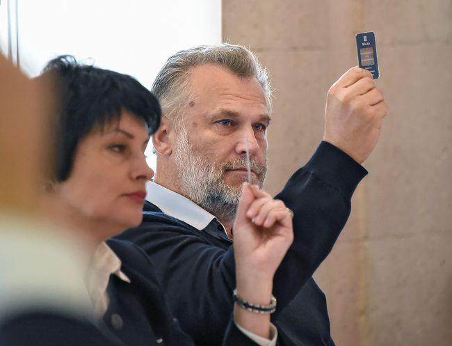 Алексей Чалый вовремя голосования утверждения закона опрямых выборах губернатора Севастополя. Ноябрь 2016 года