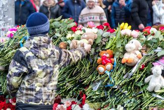A memorial to the victims of the Kemerovo shopping center fire, March 26, 2018