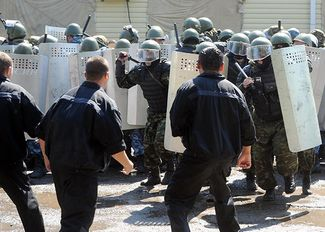 Riot police group training for response to mass protests in penal colonies. Rostov region, June 26, 2013.