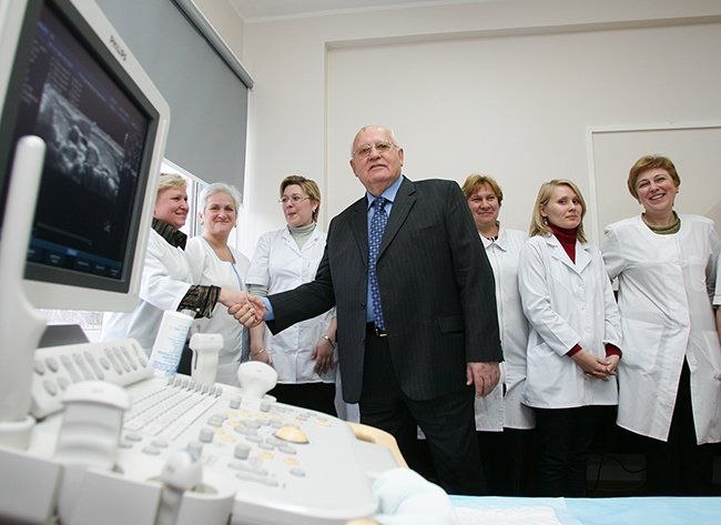 Gorbachev at the Research Institute for Pediatric Oncology and Hematology in the Russian Oncological Science Center in Moscow. Gorbachev and the banker and businessman Aleksandr Lebedev donated two ultrasound machines to the center. November 9, 2007