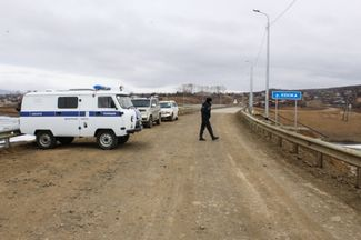 A checkpoint at an entrance into Bogorodskoe. April 20, 2020.
