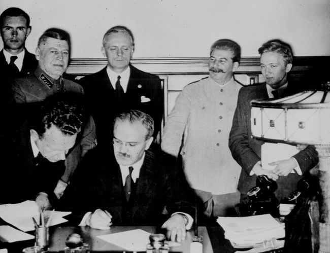 The signing of the German-Soviet Frontier Treaty, a secret supplementary protocol of the Molotov-Ribbentrop Pact, as amended on September 28, 1939.