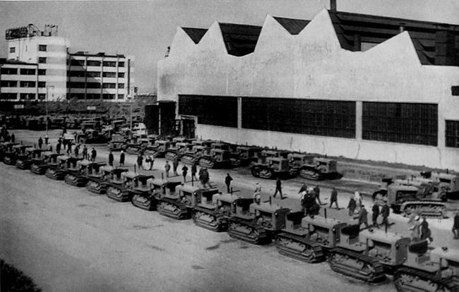 "The Chelyabinsk tractor factory behind C-65 (""Stalinets"") tractors it produced in the 1930s"