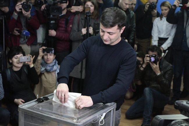 Volodymyr Zelenskiy votes during Ukraine's presidential election. March 31, 2019
